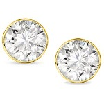 Yellow gold studs with round, brilliant cut diamonds 3.4 mm (0.3ct)